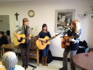 Photo Vanessa Stacey and Lois at St. Boniface Hospital october 2012